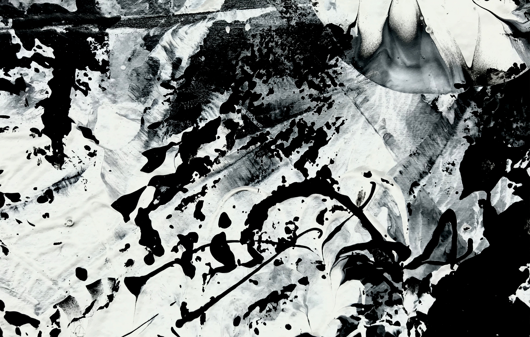 Agathe Toman Un Battement par minute I Art Drawing Black and white abstract Paint Bic Painting